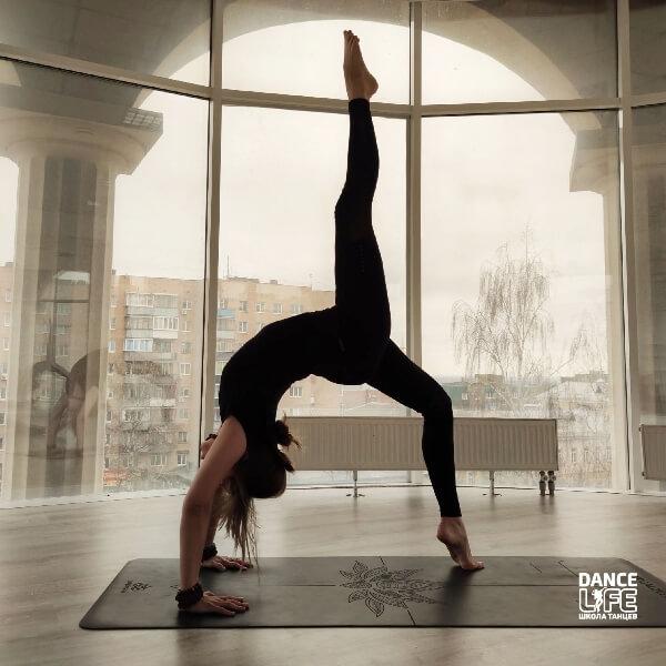 Новый инструктор по йоге в Dance Life